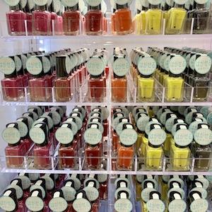 100均一ダイソーのはがせるマニキュア(ピールオフマニキュア)原色系のカラー