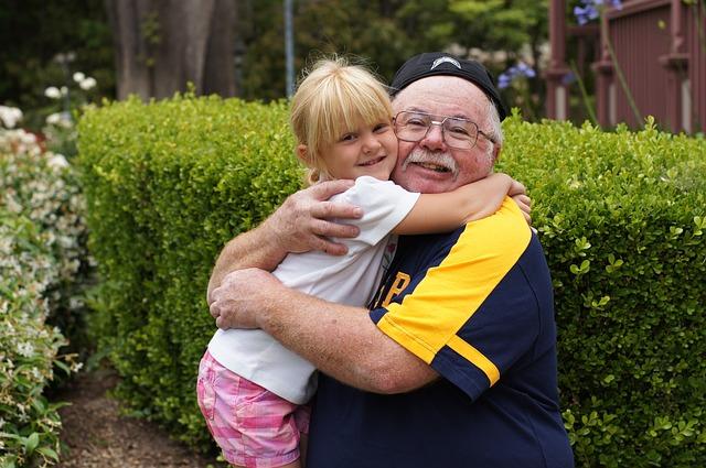祖父と孫娘