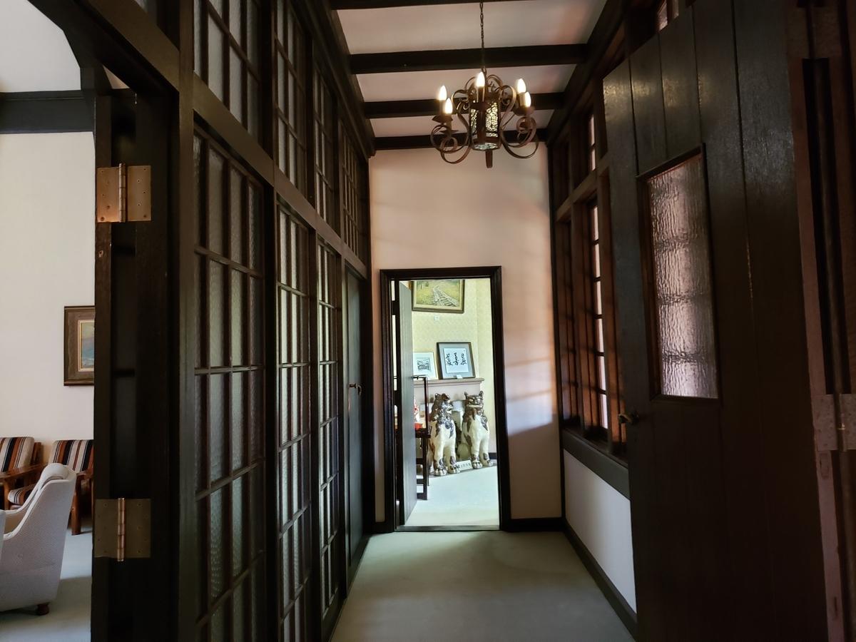 知事公館廊下