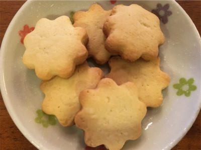 お花型クッキー