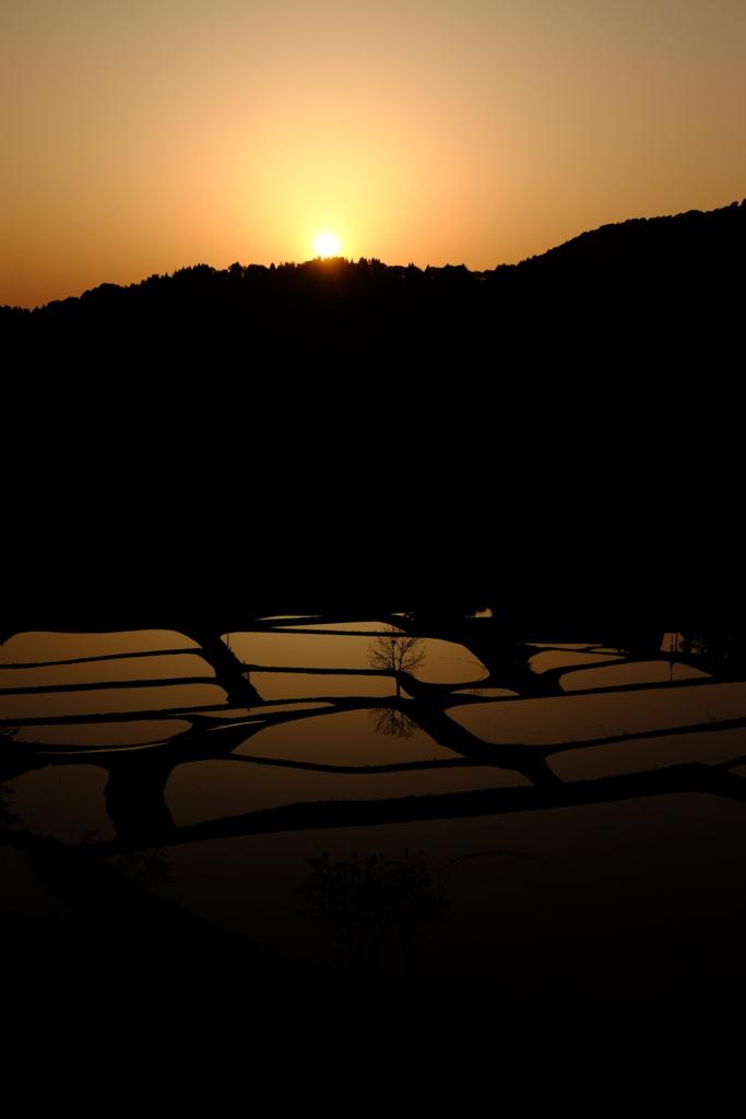 日没直前の山古志の棚田