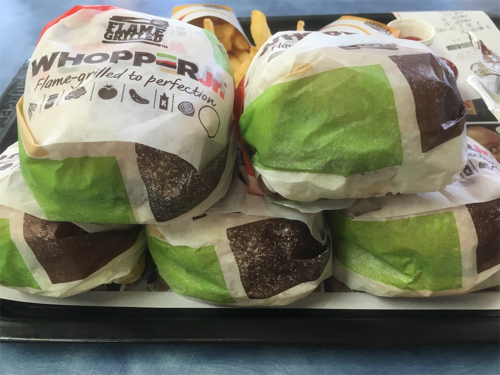 ハンバーガー 大食いチャレンジ