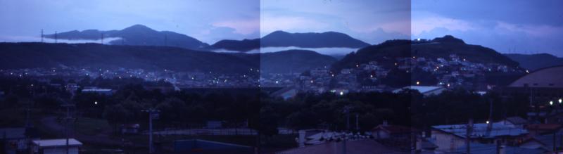 朝靄の室蘭岳