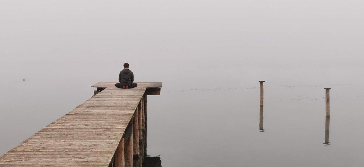 瞑想している画像