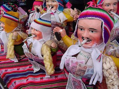 南米の開運グッズ「エケコ人形」はペルーやボリビアの人たちにも人気なの?