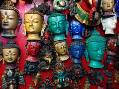 ネパールの人たちは悩みを抱えると祈祷師による占いに頼るの?