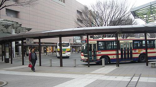 福島駅東口到着