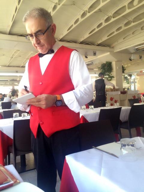 イタリア旅行でお世話になったフィレンツェのレストランのベテランボーイ
