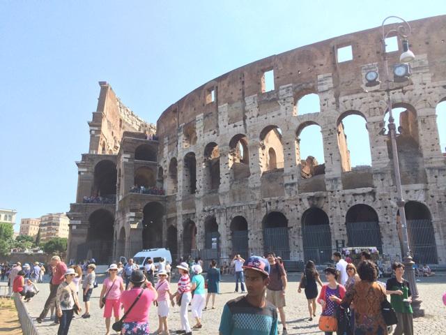 イタリア旅行で訪れるジョジョの奇妙な冒険5部の聖地、コロッセオはクライマックスの場所です