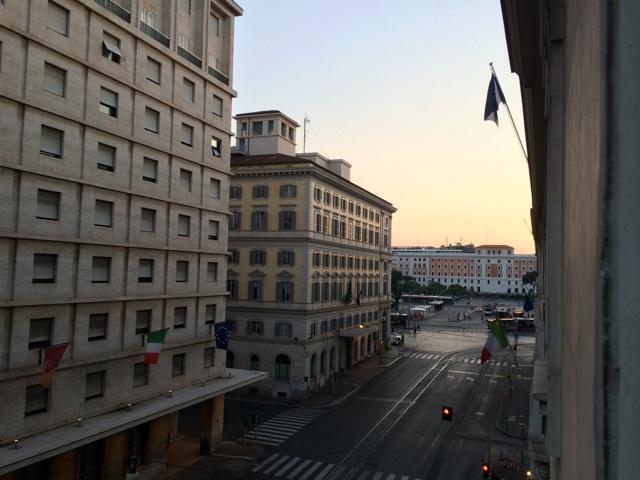 イタリア旅行記最終日に撮影した早朝のローマ