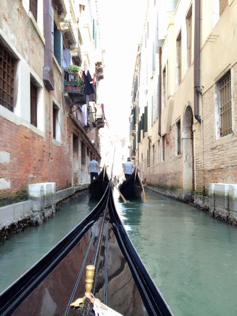 ヴェネツィアのゴンドラから当時の生活をしのぶ