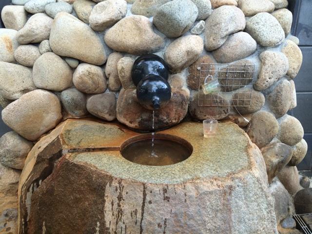 金の湯の飲泉コーナー