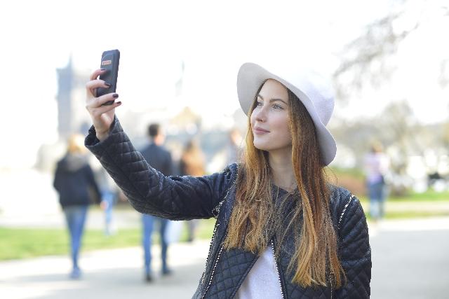 自分のスマートフォンを海外で使える海外専用SIMカード