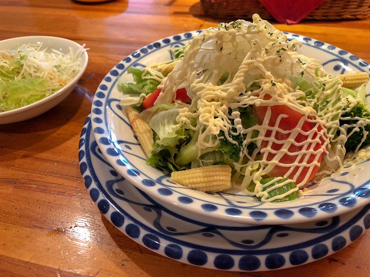 トルティーノのサラダ