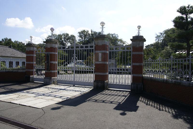 第八高等学校正門