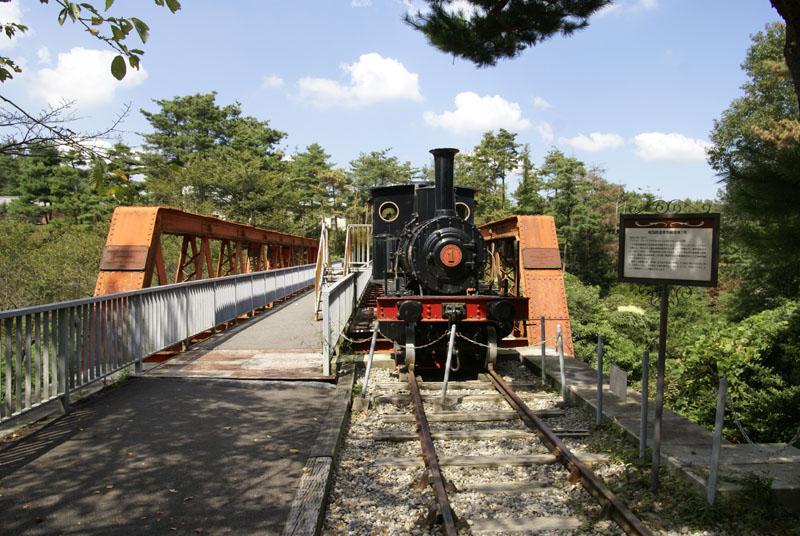 六郷川鉄橋・尾西鉄道蒸気機関車1号