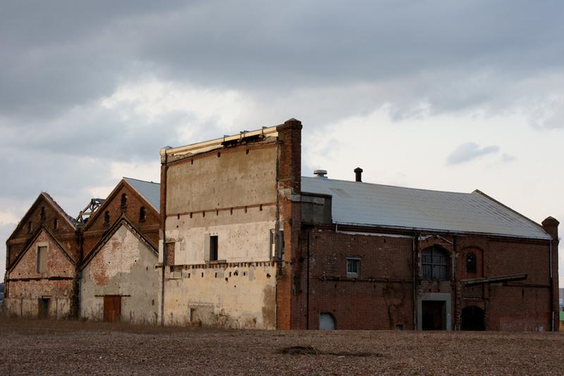 取り残された倉庫