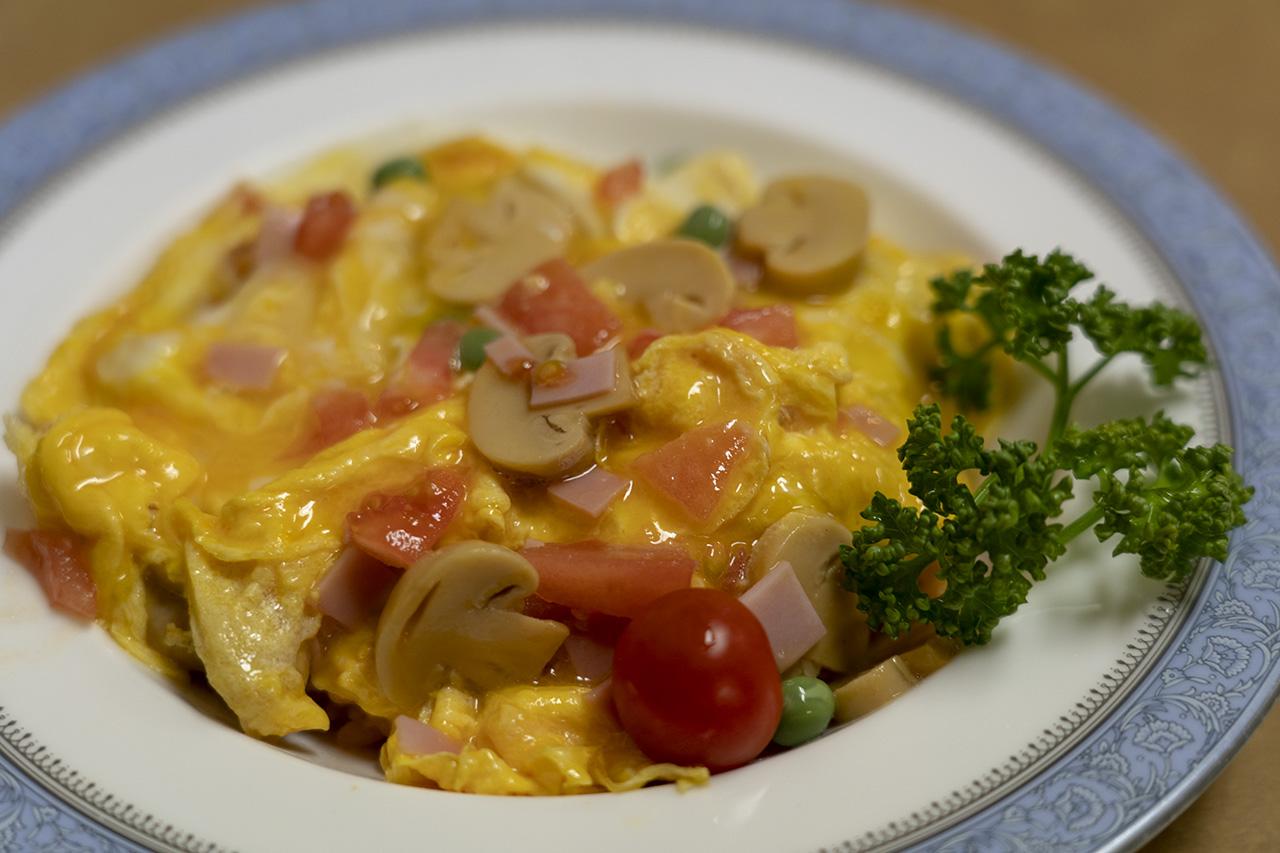 グリル富久屋の野菜サラダとフクヤライス