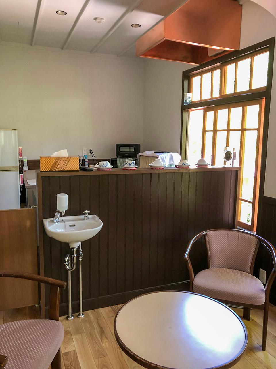 箱根函嶺のカフェスペース