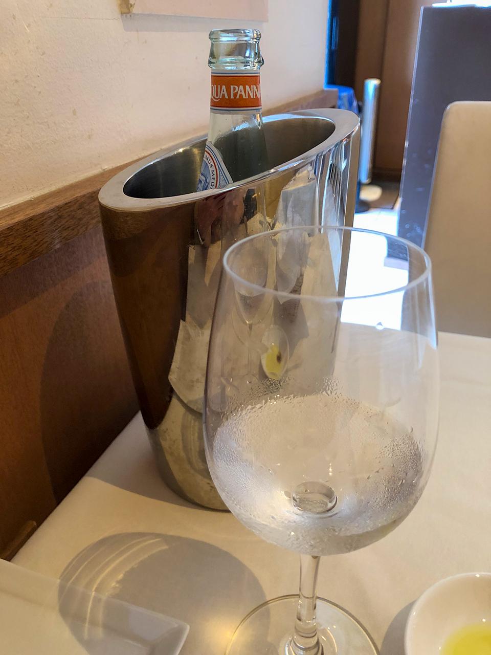 熱海テール・エ・メール(Terre et mer) のACQUA PANNA(アクアパンナ) 瓶