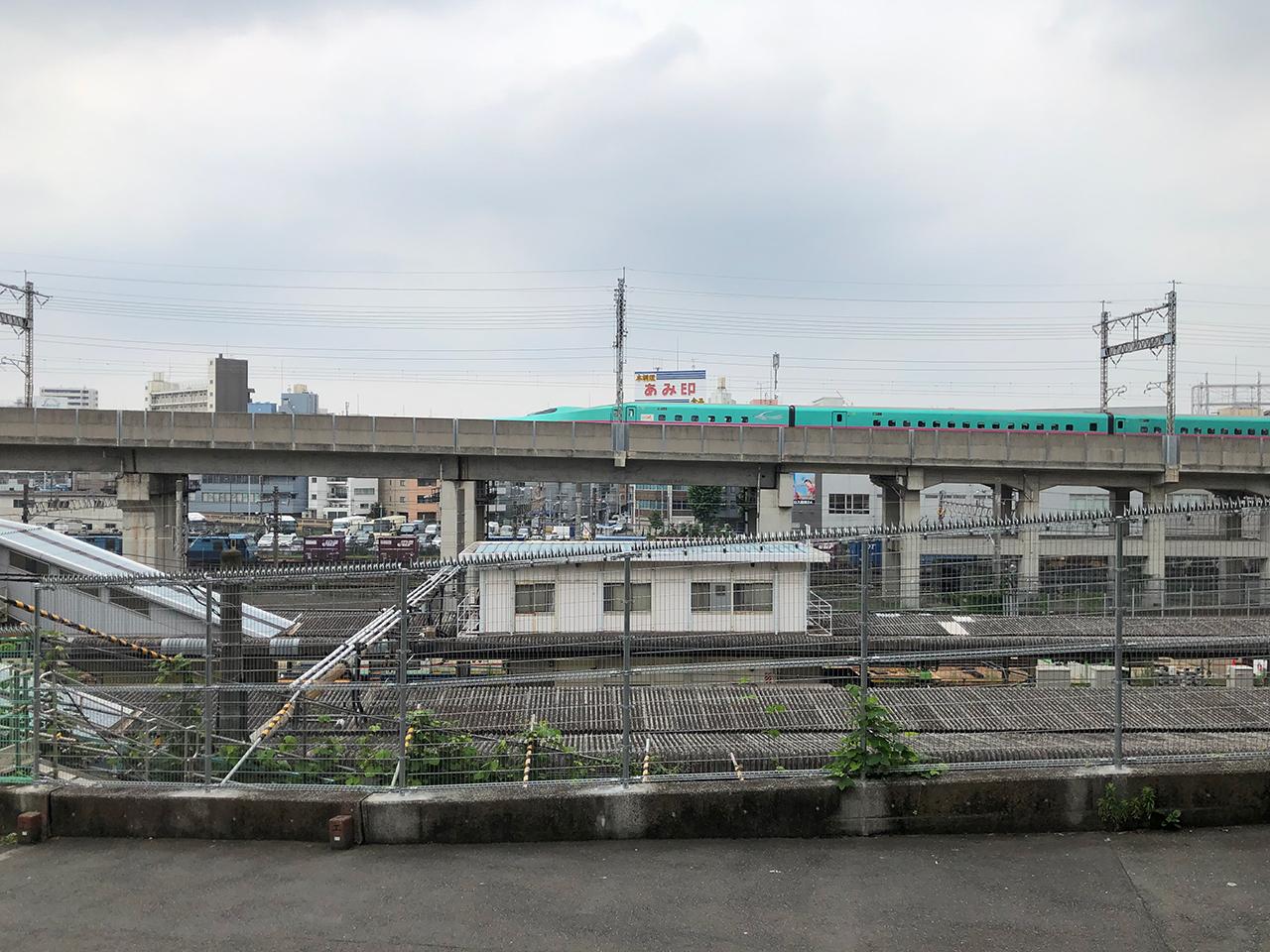 田端駅前の、帆高と陽菜が出会う場所