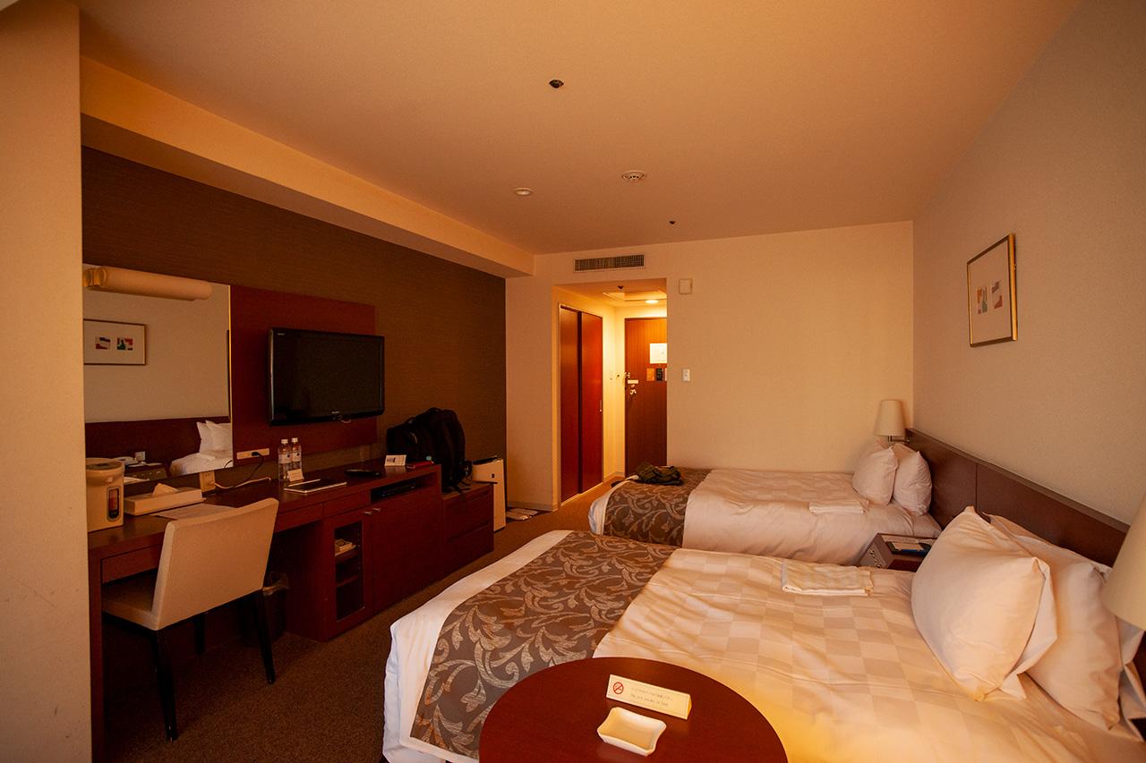 からすま京都ホテル9階の2929号室。