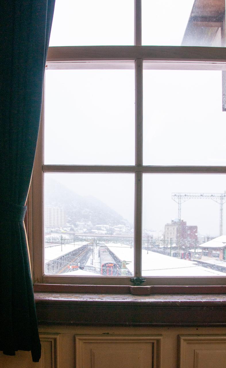 雪景色の門司港駅