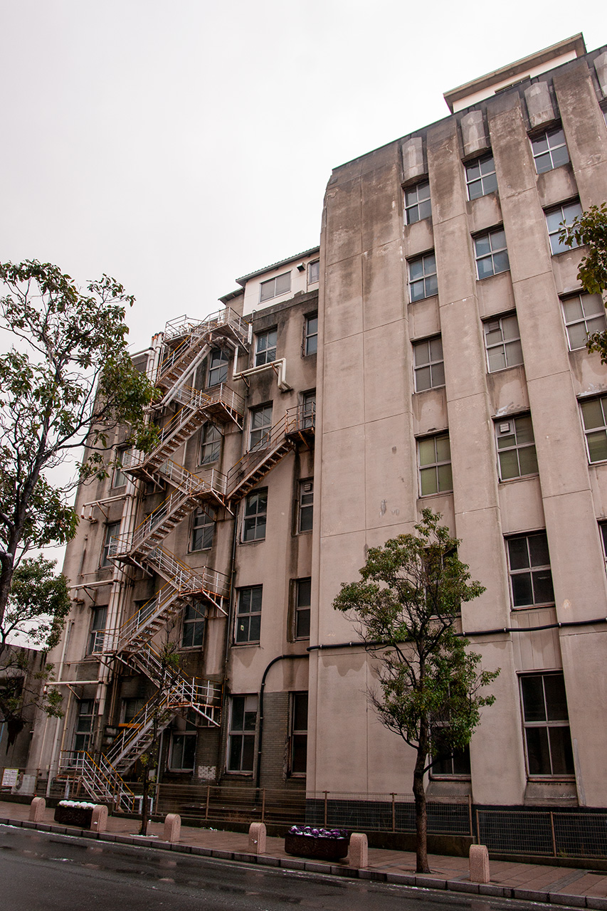 旧JR九州第一庁舎の裏面