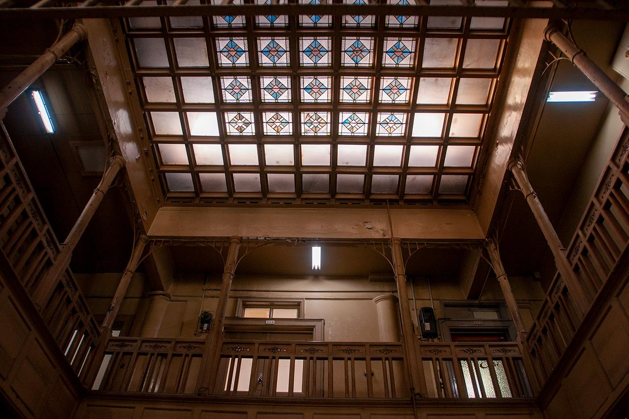 上野ビルステンドガラス