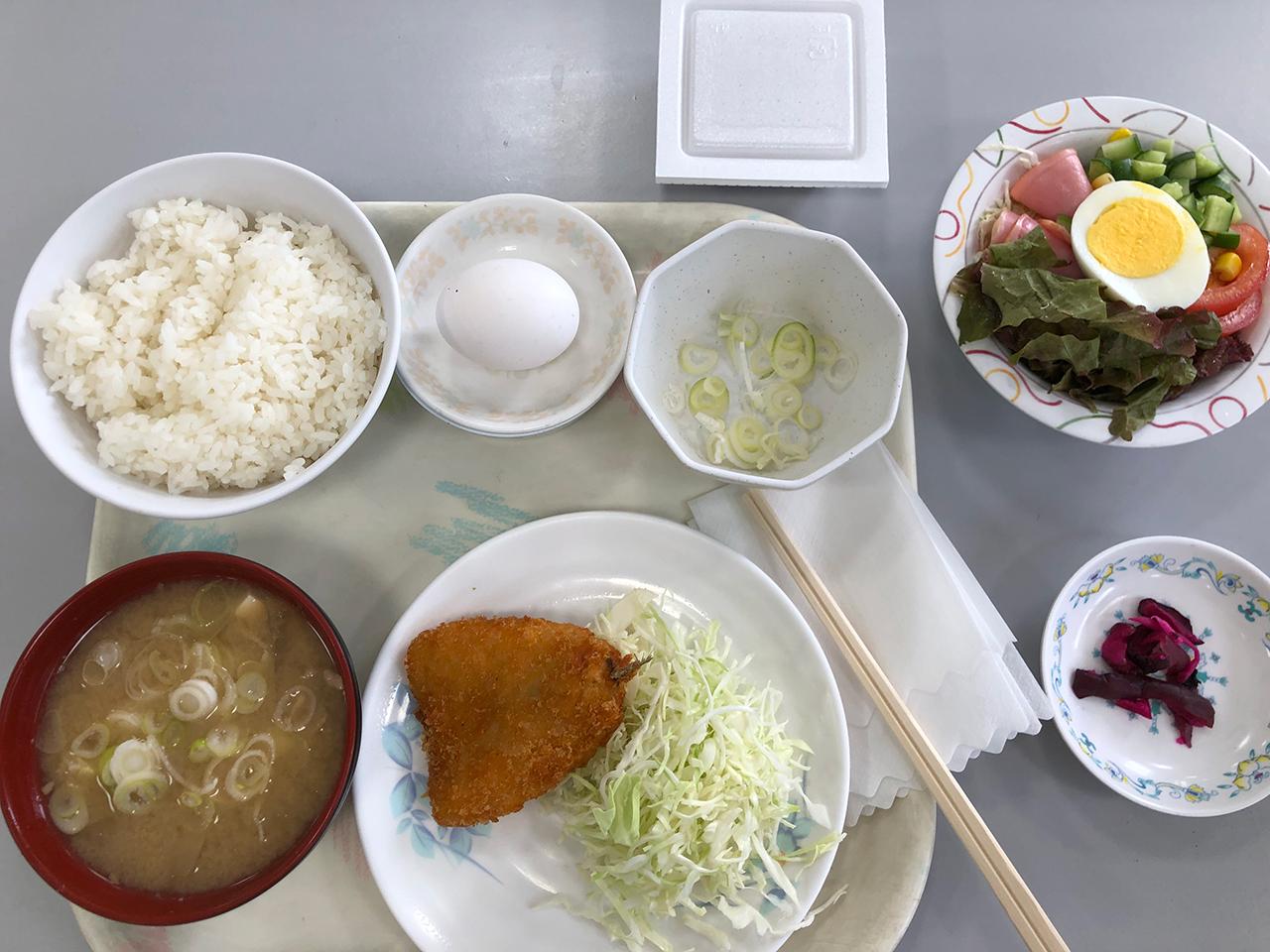 波止場食堂山下店の豚汁定食