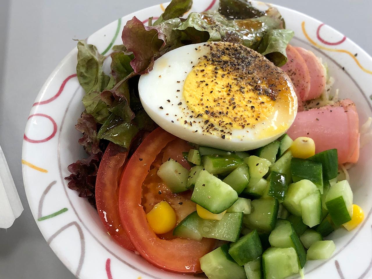 波止場食堂山下店の野菜サラダ