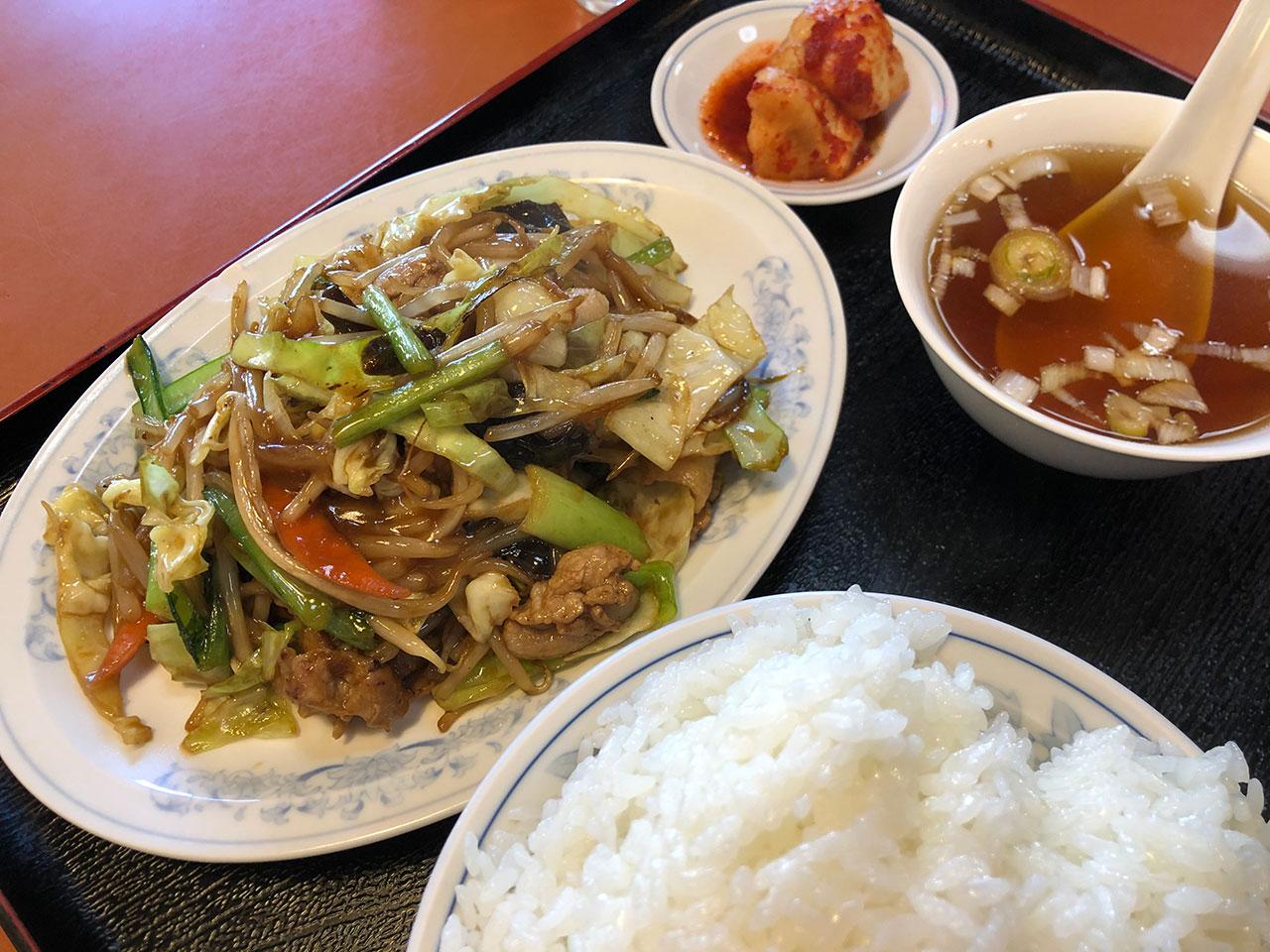 東方紅飯店の上海風肉野菜炒め