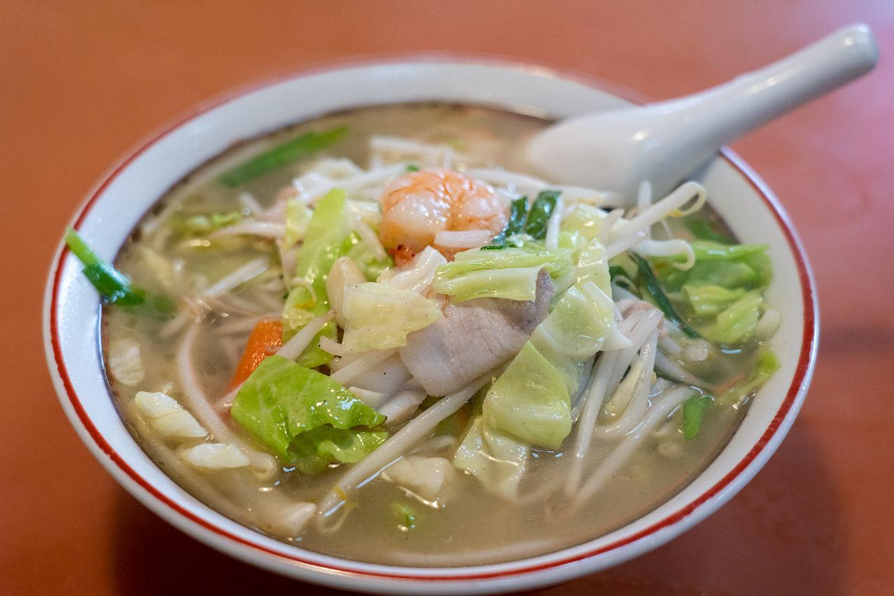 東方紅飯店市場店の湯麵
