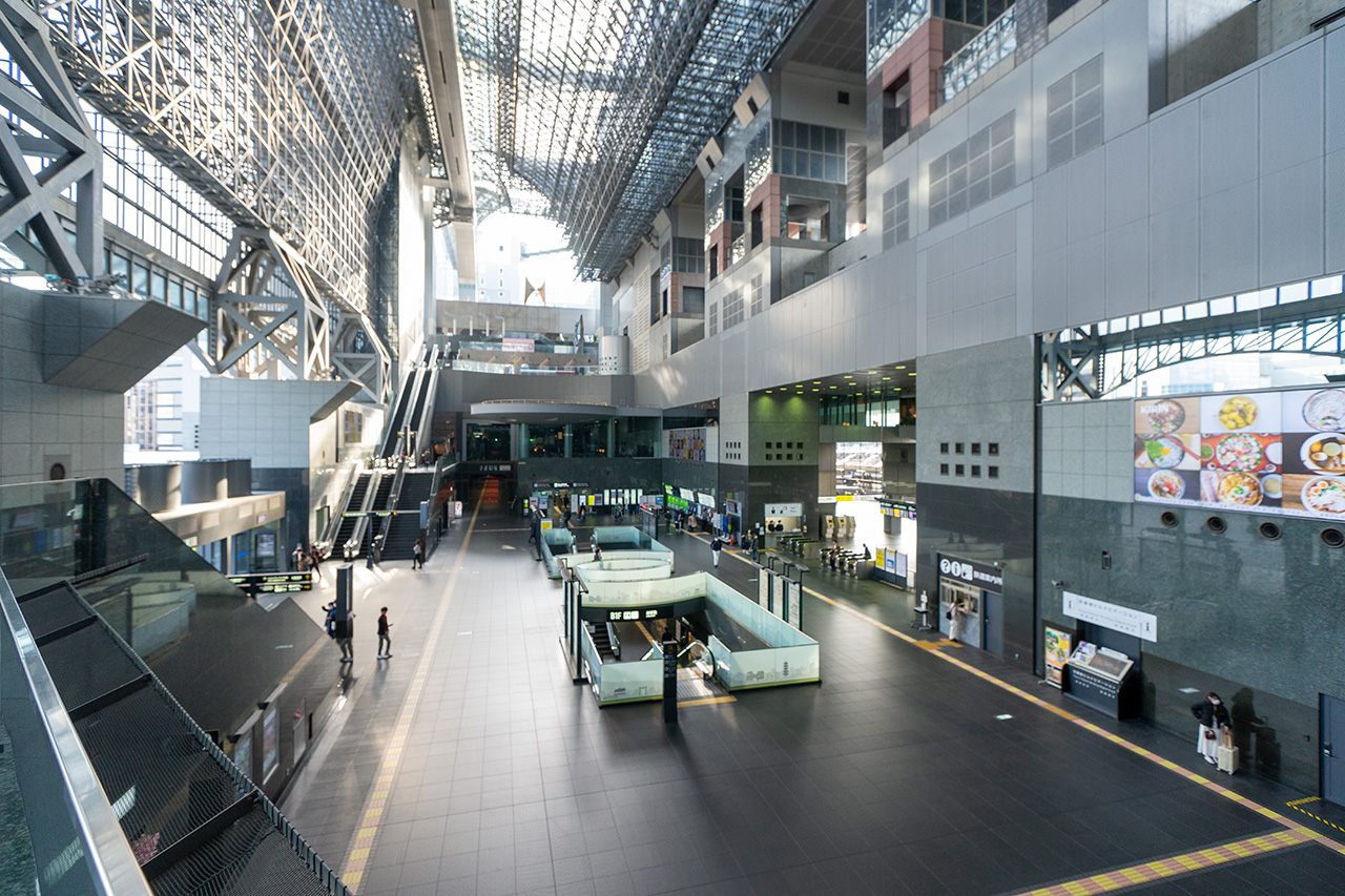 2020年3月22日(日)8:05の〈JR京都駅〉