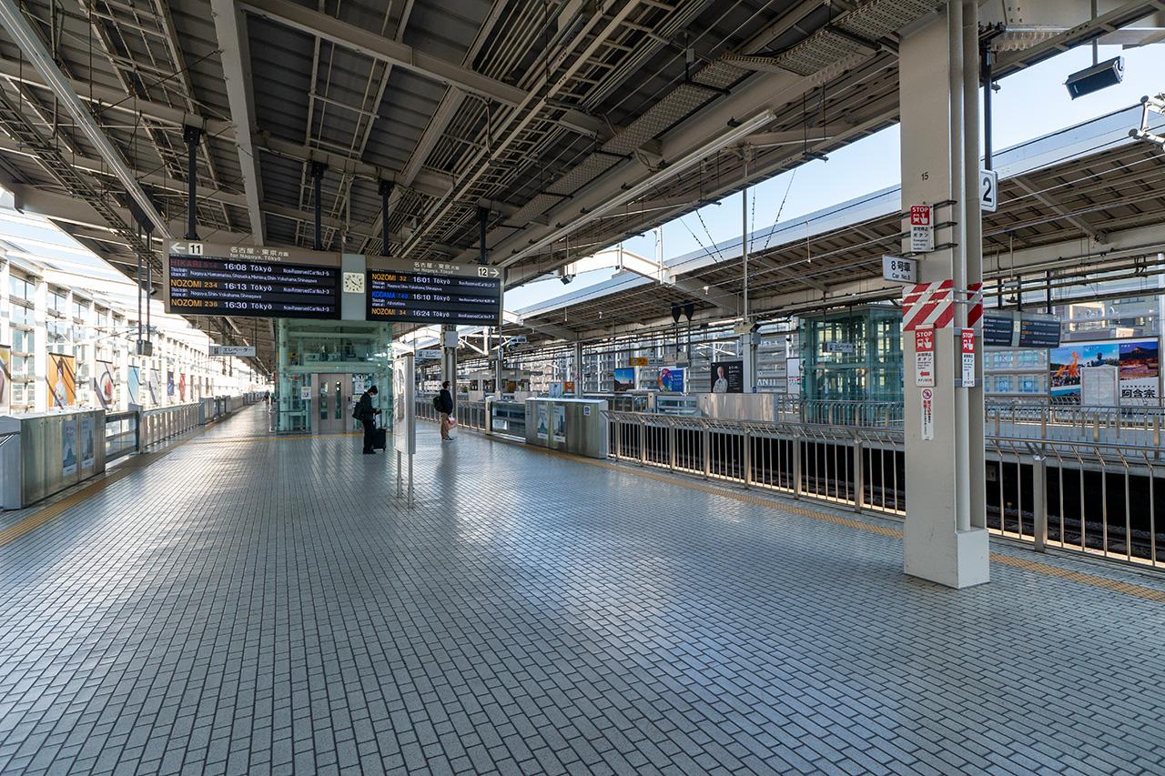 2020年4月7日(火)、人気のない京都駅新幹線ホーム