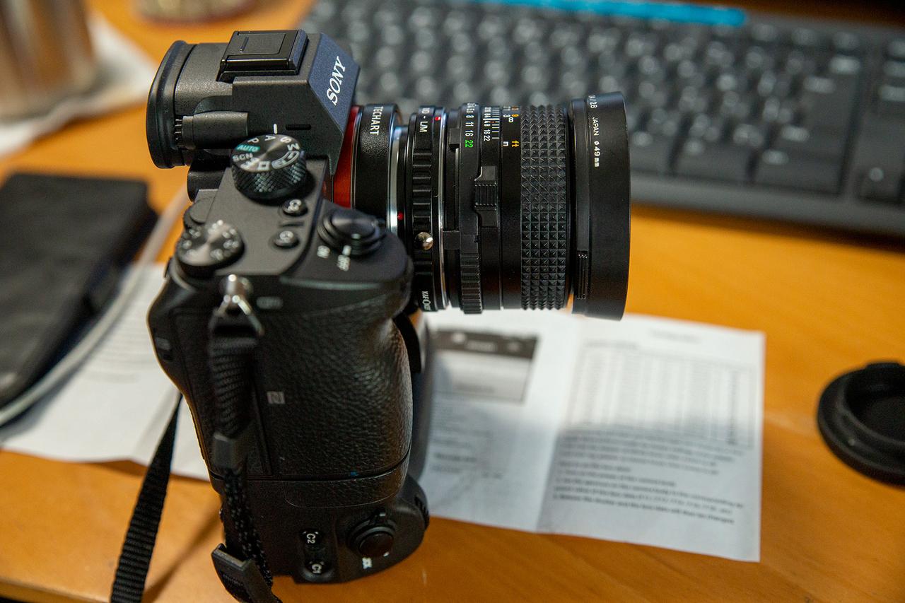 〈TECHART LM-EA7〉とミノルタのオールドレンズ〈New MD 24mm F2.8〉
