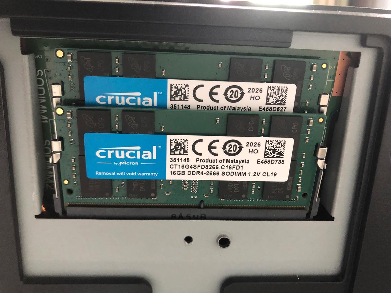 〈ESPRIMO WF2/C3〉に装着したCrucial 32GB Kit (2 x 16GB) DDR4-2666 SODIMM CT2K16G48FD8266