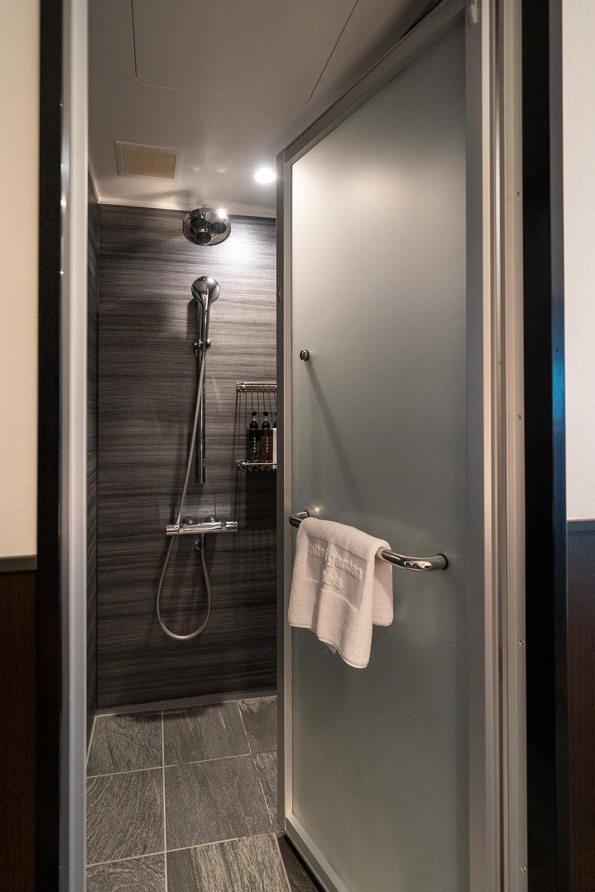 クイーンルームのシャワーブース