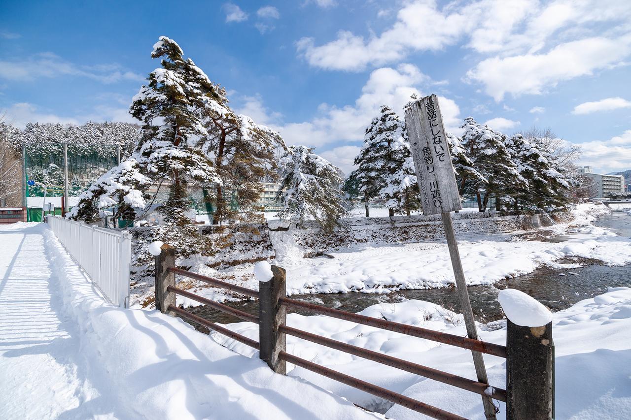 雪景色の斐太高校へ向かう道