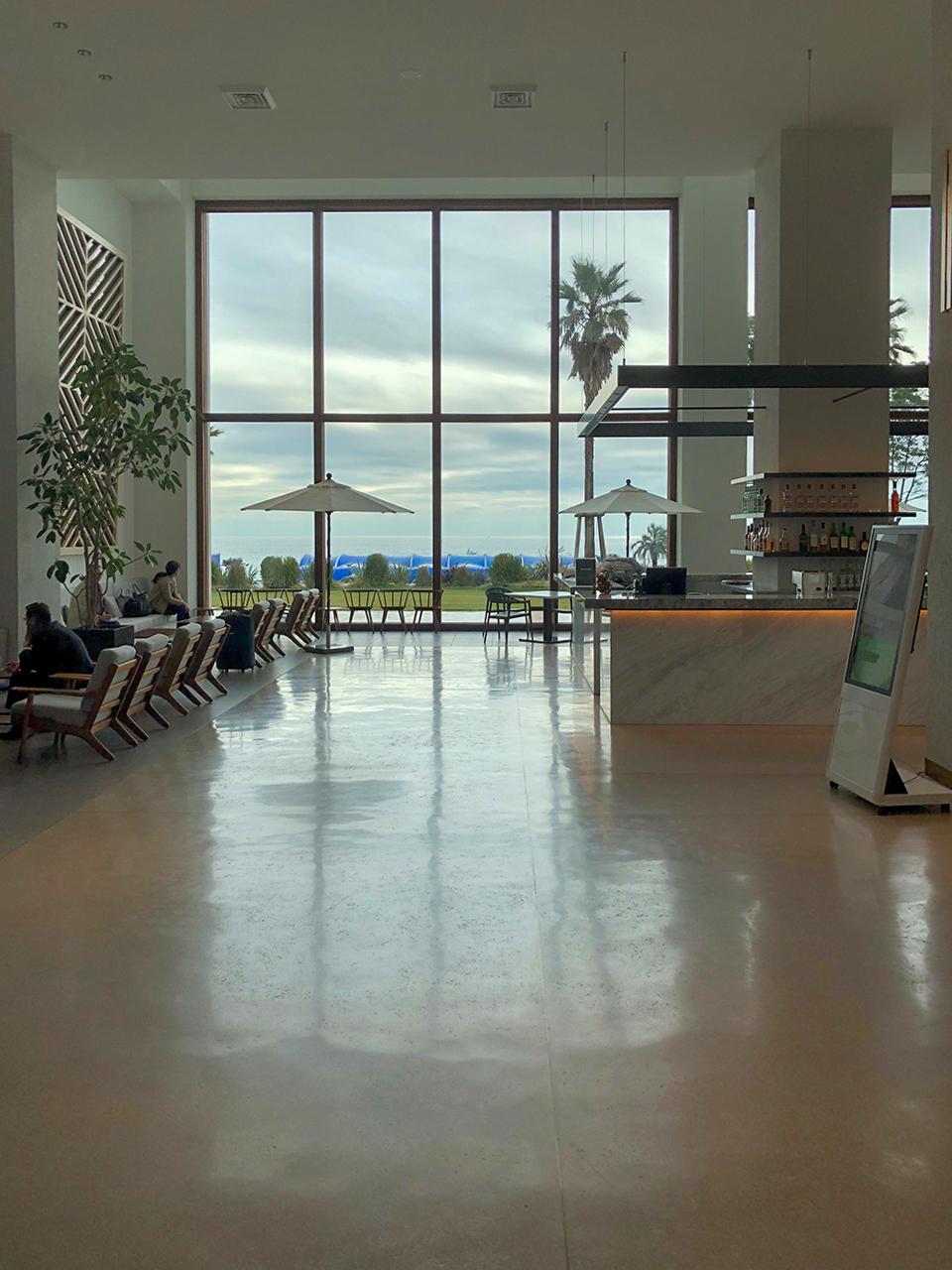 大磯プリンスホテルの温泉〈THERMAL SPA S.WAVE〉1階ロビー