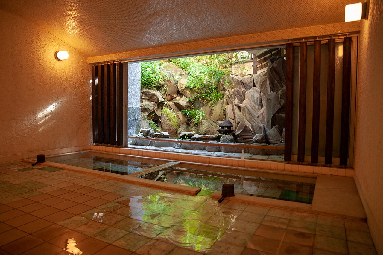〈養生館はるのひかり〉1階浴場