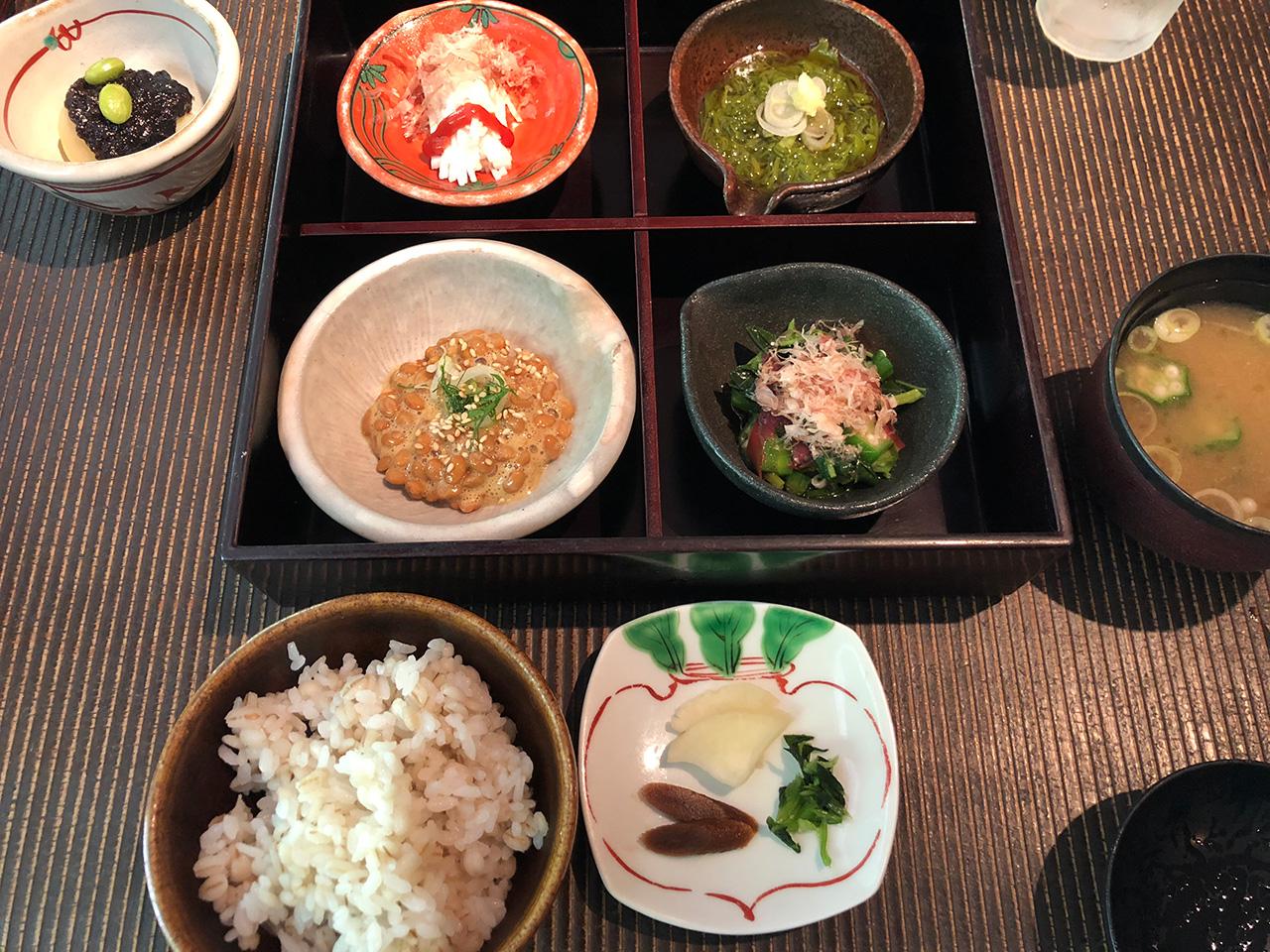 箱根湯本温泉〈天山湯治郷〉の食事処「山法師」の料理