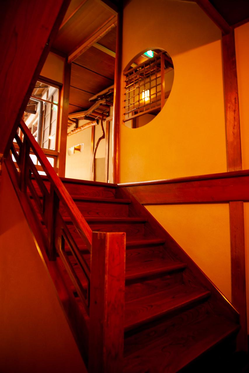 「東海館」の階段