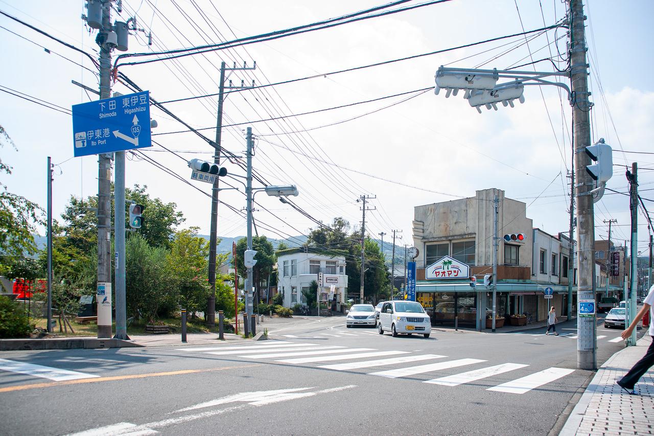 伊東観光番のある交差点