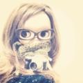 眼鏡少女とカメラ。