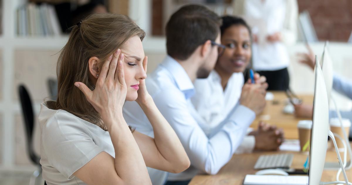 「職場で気を遣いすぎて」疲れている人のための10のしないこと01