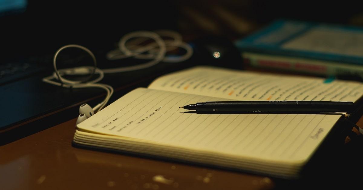 夜に紙とペンで書き出す習慣03