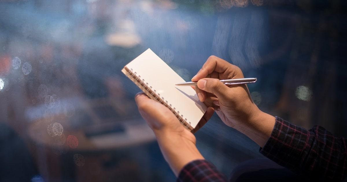 夜に紙とペンで書き出す習慣04
