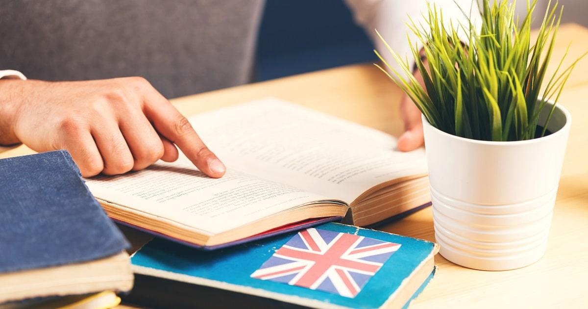 英語の「目的語と補語」「形容詞と副詞」の見分け方01