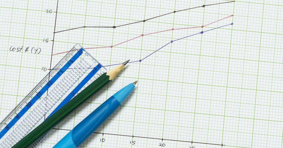 方眼ノートにグラフを描いた画像